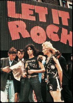Vivienne Westwood in front of theLet it Rockboutique with her then boyfriendMalcom Mclaren, 1972.