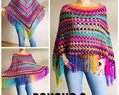 Rainbow Poncho Pride Women, Crochet outlander Triangle Shawl Wraps Fringe, Plus size Festival Vegan, Mom-Birthday-Gift-from-Daughter Poncho Au Crochet, Crochet Poncho Patterns, Crochet Shawls And Wraps, Knitted Shawls, Knit Crochet, Easy Crochet, Triangle En Crochet, Plus Size Festival Outfit, Poncho Mantel
