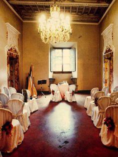 ceremony in the consiglio hall - Castello di Meleto