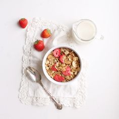 This Strawberry Coconut Granola is perfectly sweetened with a hint of maple syrup and filled with healthy ingredients from the Fraiche Nutrition kitchen. Freeze Dried Fruit, Freeze Dried Strawberries, Make Your Own Granola, Gluten Free Granola, Breakfast Cookies, Sliced Almonds, Vegan, Food Inspiration, Brunch