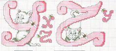 Alfabeto rosa con gatti E