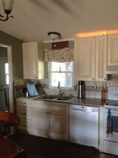 Coastal Cream Cabinets by Kitchen Cabinet Kings | Ideas for Cape ...