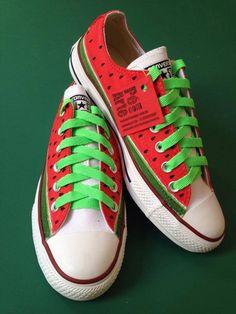 Handpainted All Star tennis shoes. All Star pintado a mão modelo Melancia.