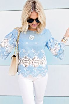 Chambray Lace Top. Fashion blogger. Summer outfit.
