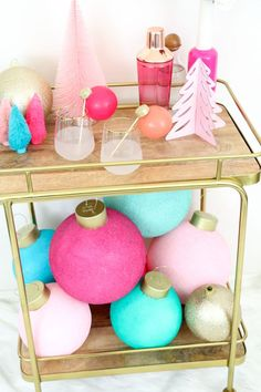 🌟Tante S!fr@ loves this📌🌟 DIY Large and Colorful Ornaments made from Foam Balls - Makes the cutest tree topper instead of a star or angel - large ornaments - holiday decorations Retro Christmas Decorations, Whimsical Christmas, Christmas Themes, Christmas Crafts, Tree Decorations, Candy Land Christmas, Holiday Fun, Christmas Holidays, Colorful Christmas Tree