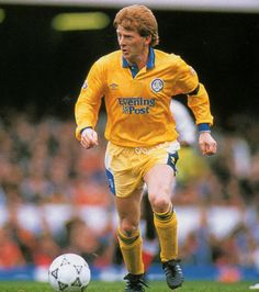Gordon Strachen  (Leeds United)
