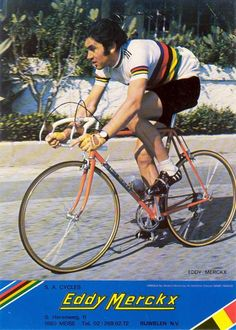 Eddie Merckx in World Champion jersey Vintage Bike Parts, Vintage Cycles, Bicycle Race, Bicycle Girl, Bike Icon, Bike Poster, Cycling Bikes, Pro Cycling, Athletes