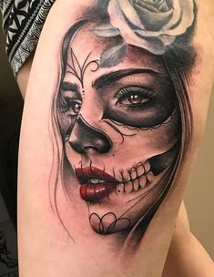 awesome Dia de los Muertos tattoo © tattoo artist Peyton 💓💓💓💓💓💓 girl tattoo Celebrate Life and Death With These Awesome Day of the Dead Tattoos Day Of The Dead Tattoo Designs, Day Of The Dead Girl Tattoo, Tattoo Tod, Death Tattoo, Tattoo Sleeve Designs, Sleeve Tattoos, Tattoo Girls, Girl Tattoos, Art Chicano