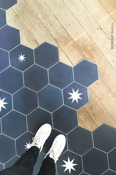 Beautiful floor transition between blue hexagon tiles and wooden floor. Blue plain and star patterned cement tiles from Mosaic Factory. Design by Marion Devaux Wooden Floor Tiles, Concrete Tiles, Wooden Flooring, Tile Flooring, Floors, Floor Patterns, Tile Patterns, Hexagone Tile, Mosaic Del Sur