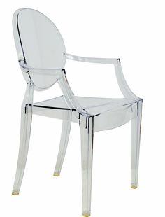 ¿No te encanta esta silla trasparente? No ocupa espacio visual y es elegante ¿verdad?