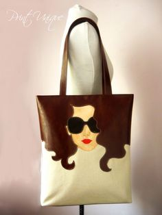 First of all, we start the magic ring with 16 double handrails and we need to weave a base for our 6 rows of net bags. Handmade Handbags, Handmade Bags, Best Tote Bags, Painted Bags, Embroidery Bags, Patchwork Bags, Denim Bag, Fabric Bags, Cloth Bags