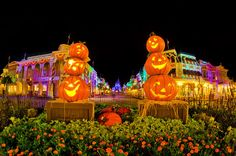 Many people view October as the best month of the yearto visit Walt Disney World due to temperate weather, low crowds, and its seasonal events. If you ask