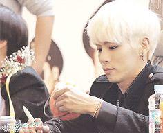 Jonghyun. That reaction aww ~~