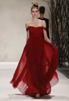 in love with this evening dress #monique_lhuillier #gown #red