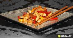 Kínai gyömbéres csirke recept képpel. Hozzávalók és az elkészítés részletes leírása. A kínai gyömbéres csirke elkészítési ideje: 20 perc Wok, Recipes, Ripped Recipes, Cooking Recipes, Medical Prescription, Recipe