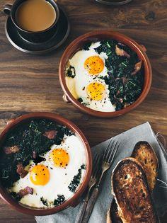 Huevos con espinacas y jamón