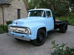 It's Working Monday again! We thought we'd show you this 1956 Ford F600 sent to us from Robert in California. It's basically a stock 2 ton truck with less than 36,000 miles. Robert started a frame-off restoration 12 years ago. Show quality original color paint was applied again, one year ago. 1956 Diamond Blue and …