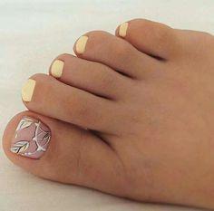 44 new ideas for gel pedicure designs toenails Shellac Pedicure, Pedicure Colors, Pedicure Designs, Pedicure Nail Art, Pretty Toe Nails, Cute Toe Nails, Pretty Toes, Diy Nails, Toenails