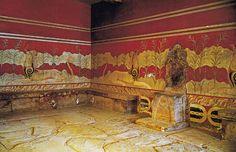 Sala del trono del Palazzo di Cnosso. Trono ricavato in un unico blocco di alabastro.