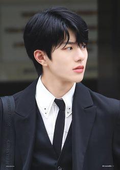 Handsome Korean Actors, Open My Eyes, Woollim Entertainment, Korean Boy Bands, Kdrama Actors, Golden Child, Kpop Boy, Cute Boys, Fangirl