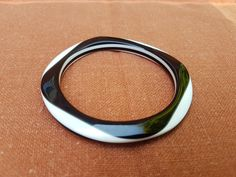 Plastic Jewelry, Rings For Men, Silver Rings, Black And White, Vintage, Collection, Black White, Men Rings, Blanco Y Negro