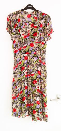 Topshop poppy printed tea crepe dress. This one I *did* wear. Pic by me.