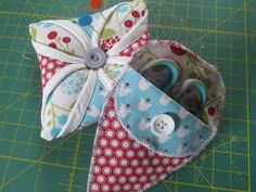Stitch by Stitch: Anything Goes - Quilt 'n Sew #7 - Pincushion and Mini Scissor Pouch Tutorial
