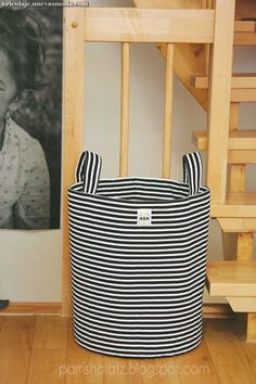 large stripey bins, tutorial sewing: things f Fabric Storage Baskets, Fabric Boxes, Sewing Baskets, Bag Storage, Sewing Art, Sewing Crafts, Sewing Projects, Sewing Patterns, Fabric Basket Tutorial