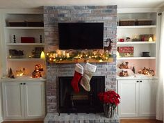 Decorating for the holidays can be tricky! Here are some great tips on how to perfectly style your home for the holiday season! #holiday #christmas #decor #home #homedecor #holidayhome #decorations