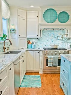 House of Turquoise: Kevin Thayer Interior Design Everything will be turquoise in my future home! Home Kitchens, Beach House Kitchens, Home Interior Design, Kitchen Remodel, House Design, Kitchen Decor, Kitchen Interior, Interior Design Kitchen, Trendy Kitchen