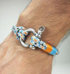 SHIPPING Men's Bracelet / Men Bracelet / Nautical Bracelet / Survival Bracelet Stainless steel Shackle - Paracord Bracelet Men's Bracelet / Men Bracelet / Unisex Bracelet / by ZEcollectionMen's Bracelet / Men Bracelet / Unisex Bracelet / by ZEcollection Paracord Bracelets, Bracelets For Men, Fashion Bracelets, Beaded Bracelets, Bracelet Men, Leather Bracelets, Bracelet Nautique, Make Your Own Bracelet, Nautical Bracelet
