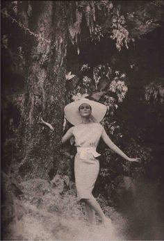 Carmen Dell'Orefice  Herbert Sondheim in Moygashel  Gleb Derujinsky, 1959