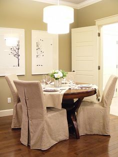 Great idea for small dining room! Bet Big Lots would have something like it...