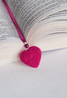 Os livros estão sempre presentes nas nossas férias, nos nossos sacos de praia, nas viagens, ou até mesmo em casa quando temos um tempinho p...