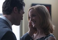 """Will (Matthew Morrison, L) and Emma (Jayma Mays, R) share a moment in the second hour of a special two-hour """"Props/Nationals"""" episode of GLEE"""