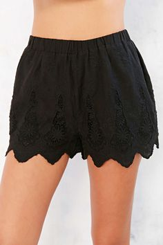 Kimchi Blue Scallop Lady Lace Short - Urban Outfitters