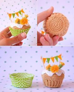 Cupcake de crochet de diente de león. Con caja de por iamamess // kawaii // amigurumi