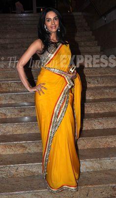 Mallika Sherawat @MallikaLA brings bit of sunshine in her beautiful yellow #Saree at launch of Jai Maharashtra TV Channel, April 26