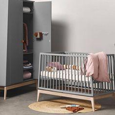 Oeuf Nyc, Leander, Kaast Van en Huis, By Bo, Gustavienne Baby Nursery Furniture, Kids Furniture, Baby Center, Baby Cribs, Baby Room, Shelves, Interior, Collection, Home Decor