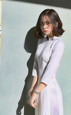 Best 11 Áo dài ~ Việt Nam Sobber and simple beautiful secrets of Style's – SkillOfKing. Beautiful Japanese Girl, Beautiful Girl Image, Beautiful Asian Women, Japanese Beauty, Cute Asian Girls, Cute Girls, Asian Cute, Cool Girl, Ao Dai