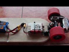 Un skate électrique 100% DIY avec une Raspberry Pi ou un Arduino Diy Electric Skateboard, Motorized Skateboard, Electrical Projects, Build Something, Diy Electronics, Raspberry, Bluetooth, Bike, Organization
