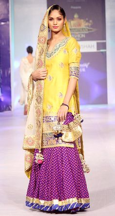 Anjani Sukhani showcases Surbhi Shah's Collection at RFW 2013 Find Similar Exclusive Laces and fabrics @ www.lacxo.com