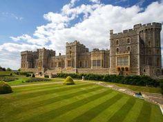 Castelo de Windsor | Windsor, InglaterraA menos de 50 quilômetros de Londres, a cidade de Windsor é ... - Shutterstock