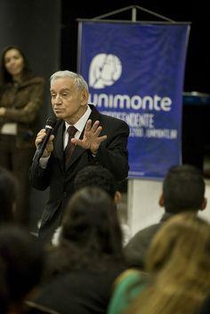 Reitor da Unimonte tem como um de seus principais prazeres palestrar para jovens estudantes. Em destaque, presença de Ozires Silva na escola Aristóteles Ferreira, em Santos.