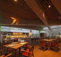 "Restaurante ""Pescados Capitales"" / GonzalezMoix"