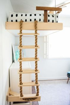 A DIY bunk bed rope ladder for this COOL California shared siblings room. You have to see this room!
