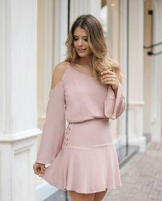 {Winter16} A linda @arianecanovas com mais um vestido apaixonante que chegou essa semana!!! ❤❤❤ #trend #winter16 #inverno16 #arianecanovas #atacado #bomretiro #dress #nude #euamodoceflor #doceflorsp