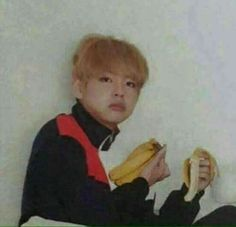 V: can you not just leave me in peace with my bananas