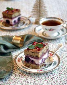 Gluten-Free Holiday Progressive Dinner: Cherry Tiramisu for Dessert Gluten Free Treats, Vegan Treats, Dairy Free Recipes, Vegan Desserts, Dessert Recipes, Plated Desserts, Vegan Recipes, Vegan Cupcakes, Vegan Cake