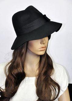 Chapéu preto de lã